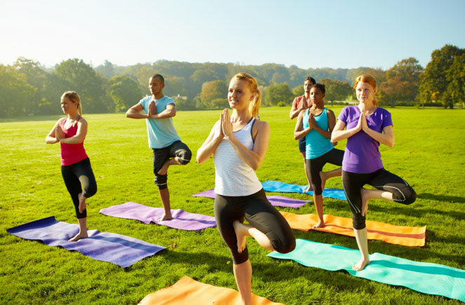 Bring Your Yoga Practice To The Outdoor This Summer Downtown Surrey Business Improvement Association Is Offering FREE Weekly Classes